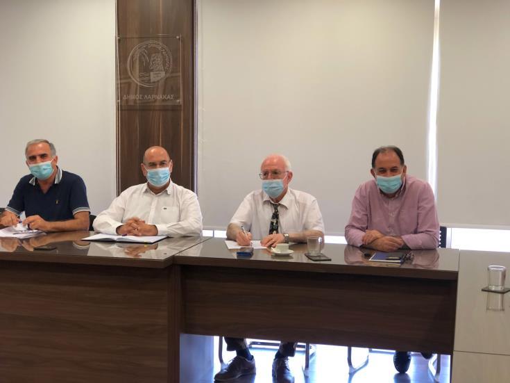 Τέσσερα μέτρα ενθάρρυνσης του εμβολιασμού δημοτών στην επαρχία Λάρνακας