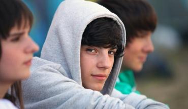 Προσοχή στα αγόρια στην εφηβεία και τι παρακολουθούν στο διαδίκτυο