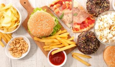 Η διατροφή με πρόχειρα φαγητά κάνει κακό στη μνήμη