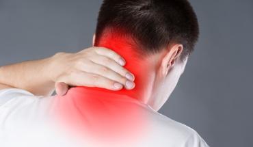 Πόνος στον αυχένα: Αύξηση των περιστατικών εξαιτίας της πανδημίας