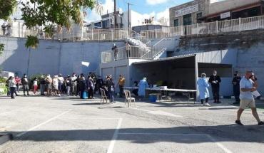 Μαζική η προσέλευση για τη διενέργεια rapid test στην Πέγεια και στο Mall στην Πάφο