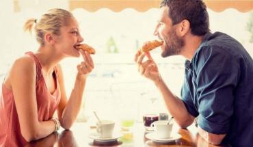 Ο έρωτας περνάει από το στομάχι- Όχι όμως και το σεξ