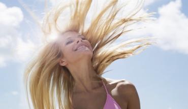 Υγιή και όμορφα μαλλιά το καλοκαίρι
