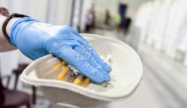 Εναλλακτικό εμβόλιο αντί AstraZeneca για τους κάτω των 40 ετών στη Βρετανία