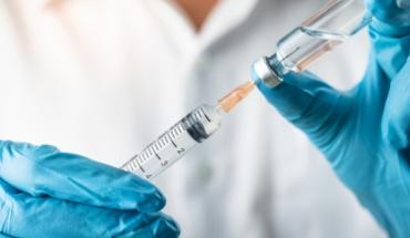 Συνδυασμό εμβολίων για καλύτερη κάλυψη, ζητούν τώρα λοιμωξιολόγοι