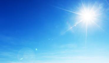 Η επιστήμη της αντιγήρανσης συστήνει έκθεση στον ήλιο αλλά με μέτρο