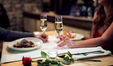 Ποιες τροφές είναι καλό να αποφεύγουμε αν το ραντεβού είναι... υποσχόμενο