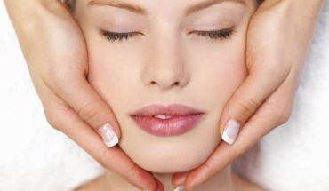 Face lift ή PDO: Tι μας εξηγεί ο πλαστικός χειρουργός