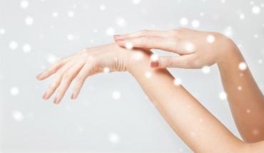 Κρύο, καιρός για κρέμα χεριών και γάντια