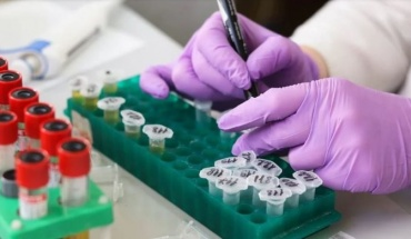 Αγώνας για εμβόλια αλλά και θεραπείες κατά του κορωνοϊού