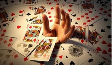 Ο εθισμός στα τυχερά παιχνίδια συνυπάρχει με εγκληματικές συμπεριφορές