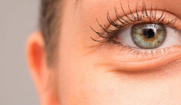 Σωστή φροντίδα του δέρματος γύρω από τα μάτια
