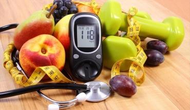 Ο διαβήτης ρυθμίζεται με φάρμακα, κατάλληλη διατροφή και άσκηση