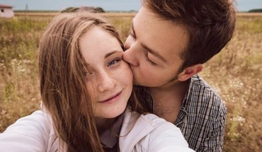 Νέα έρευνα: Όσο πιο νέος, τόσο λιγότερο σεξ
