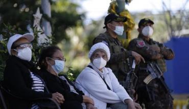 Νέο ρεκόρ θανάτων από COVID-19 στις ΗΠΑ, συνεχίζεται η επέλαση της νόσου παγκοσμίως
