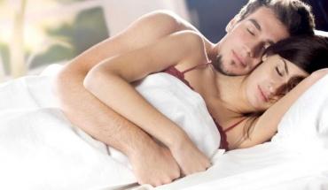 Το ...ωράριο του σεξ και γιατί οι περισσότεροι επιλέγουν το βράδυ