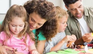 Η φροντίδα του παιδιού στην καθημερινότητα διαφέρει πολύ από τη διασκέδαση στις αργίες