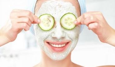 Μάσκες ομορφιάς με φρούτα του καλοκαιριού και όχι μόνο