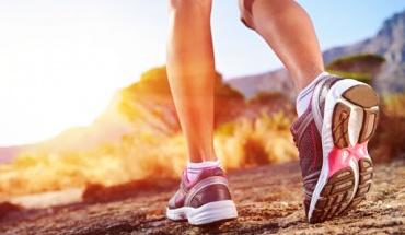 Όταν πονούν τα πόδια η λύση μπορεί να κρύβεται στην επιλογή παπουτσιού