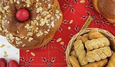 Κουλούρια VS τσουρέκια: Ποια είναι πιο υγιεινά;