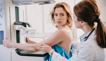 Έγκαιρη διάγνωση του καρκίνου στη μαστογραφία με τομοσύνθεση