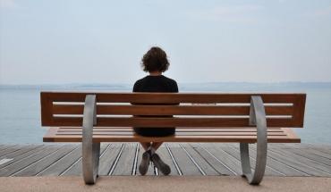 Η μοναχικότητα στη μέση ηλικία οδηγεί σε άνοια στην τρίτη...