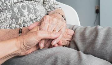 Ιδιαίτερη προσοχή για τον κορωνοϊό χρειάζονται οι ηλικιωμένοι που ζουν σε δομές φιλοξενίας