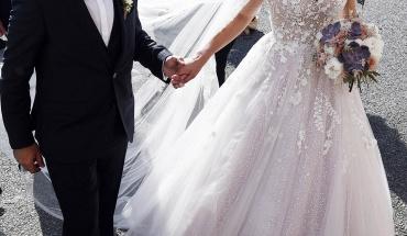 Χαλαρώσεις για γάμους και βαφτίσια σε τέσσερις δόσεις