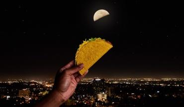 Tα TACO BELL® γιορτάζουν στις 4 Μαΐου, με αφορμή το Taco Moon και προσφέρουν δωρεάν Tacos!