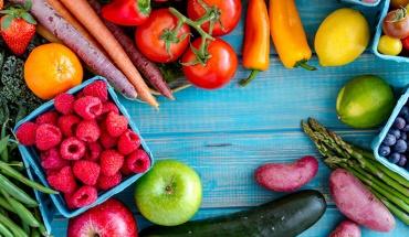 Η σωστή διατροφή μπορεί να βοηθήσει στον έλεγχο της υπέρτασης μαζί με τα απαραίτητα φάρμακα