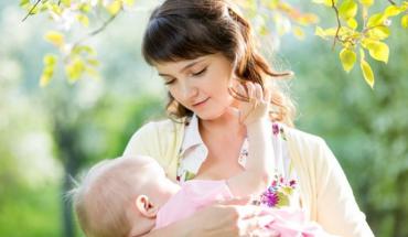 Η μητέρα με COVID-19 δεν μεταδίδει τον ιό μέσω του θηλασμού