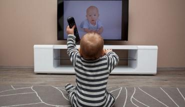 Παιδιά και τηλεόραση: Μια σχέση που μπορεί να οδηγήσει σε προβλήματα