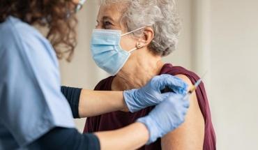 Εμβολιασμοί 475 ατόμων 86 ετών και άνω στα walk-in