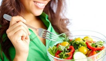 """Πιο σημαντικό το """"σωστά"""" από το """"λίγο"""" σε ό,τι αφορά την σχέση της διατροφής με την υγεία"""